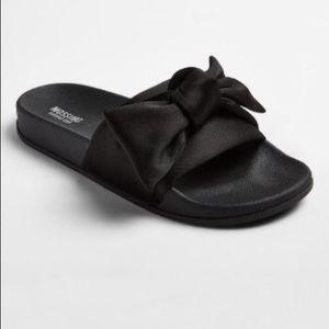 Mossimo Julisa black bow sandal